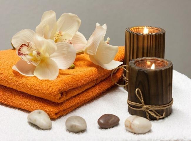 Nến thơm giúp khử mùi nhà vệ sinh cực kỳ hiệu quả